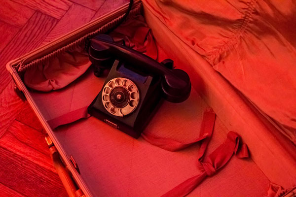 <p>Holly's telephone</p>
