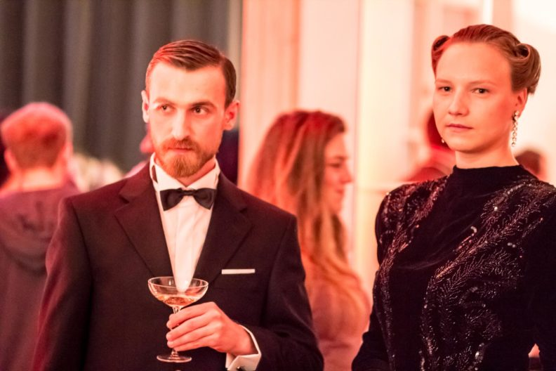 <p>Dino Delarantis is Claude Rains as Alexander Sebastian and Egija Inzule is Ingrid Bergman as Alicia Huberman</p>
