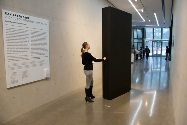 <p>Ahmet Öğüt, <em>Anti-Debt Monolith</em>, 2014, photo courtesy Aaron Word</p>