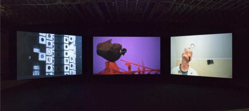 <p>Emre Hüner, <i>Neochronophobiq</i>, installation Protocinema, New York, 2017, courtesy Rodeo, London, photo: John Berens.</p>